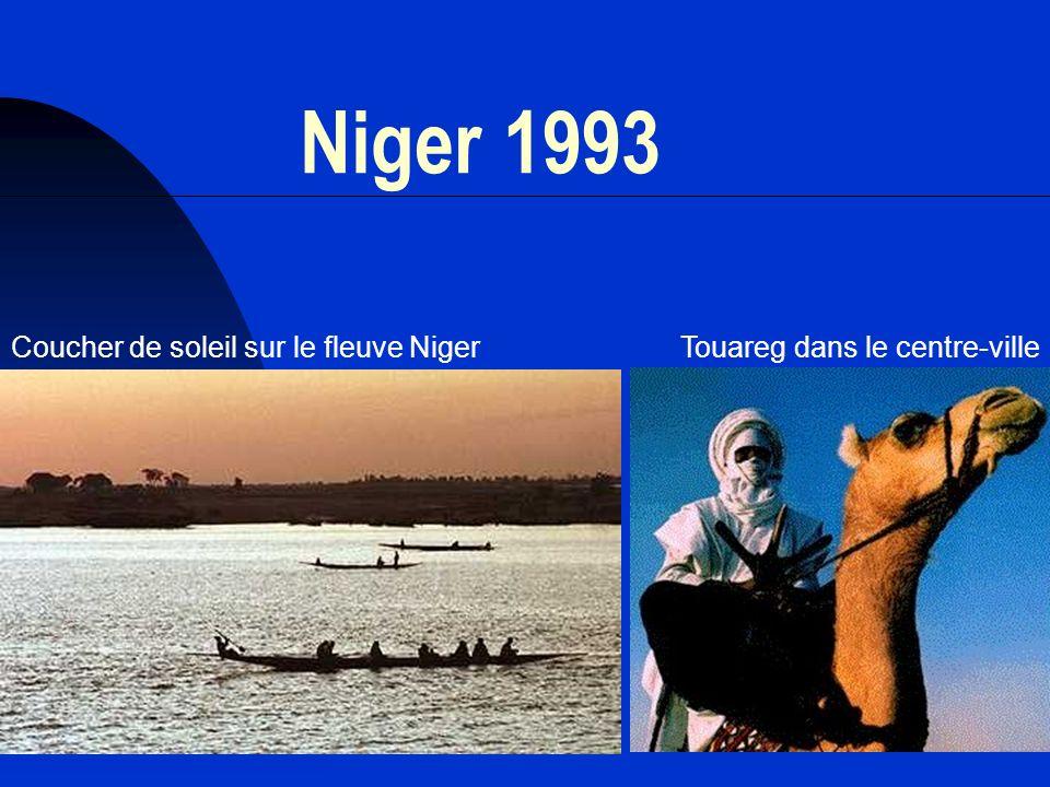 13 Niger 1993 Coucher de soleil sur le fleuve NigerTouareg dans le centre-ville