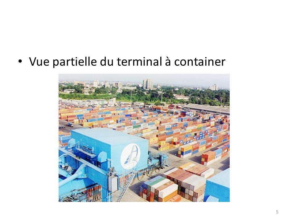 Vue partielle du terminal à container 5