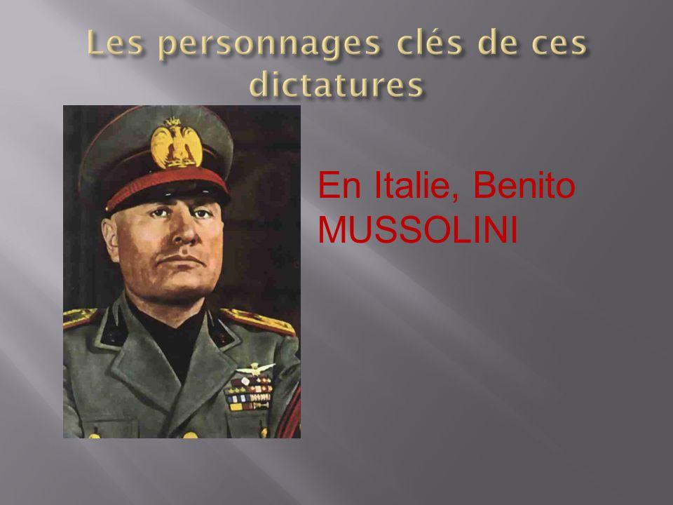 En Italie, Benito MUSSOLINI
