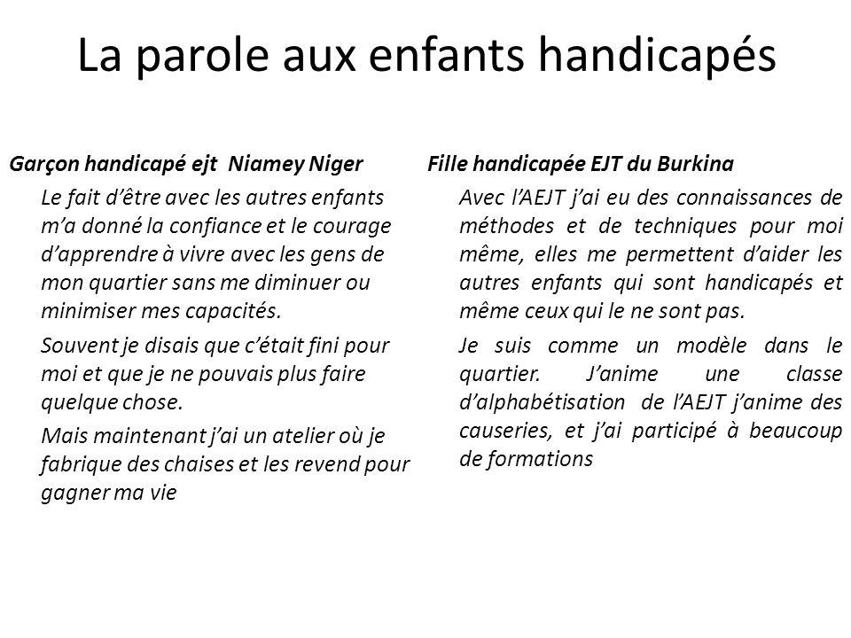 Garçon handicapé ejt Niamey Niger Le fait dêtre avec les autres enfants ma donné la confiance et le courage dapprendre à vivre avec les gens de mon quartier sans me diminuer ou minimiser mes capacités.