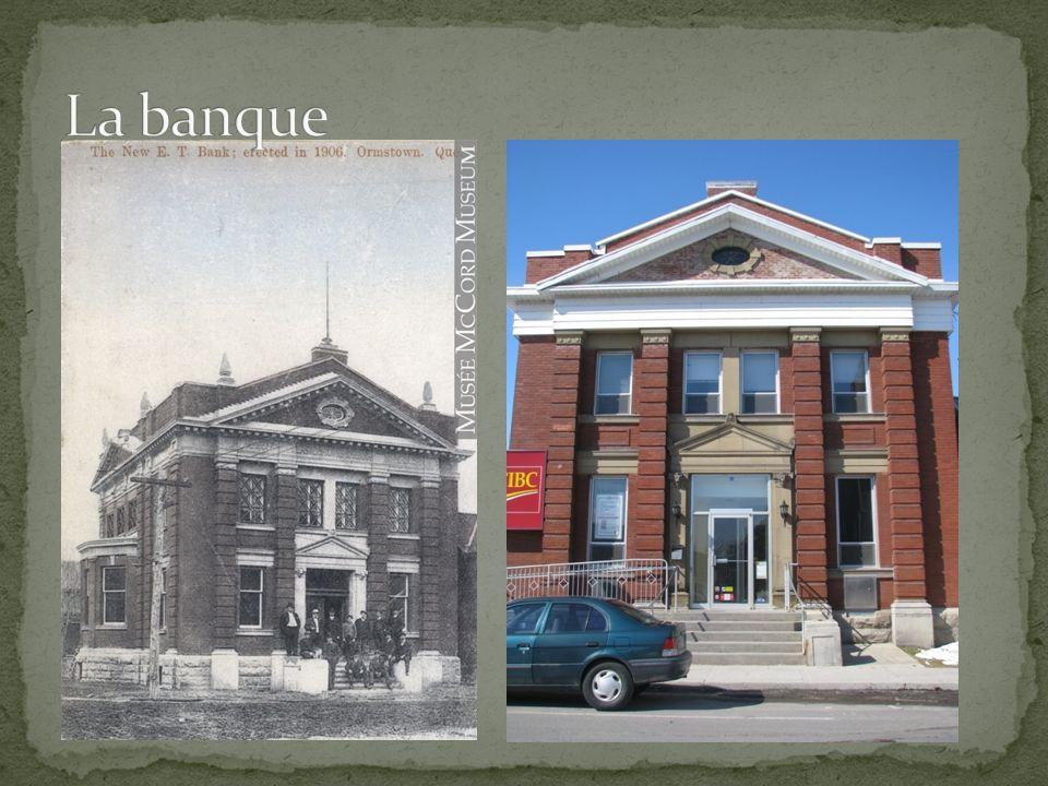 Plusieurs édifices bâtis environ en 1905 sont encore debout.
