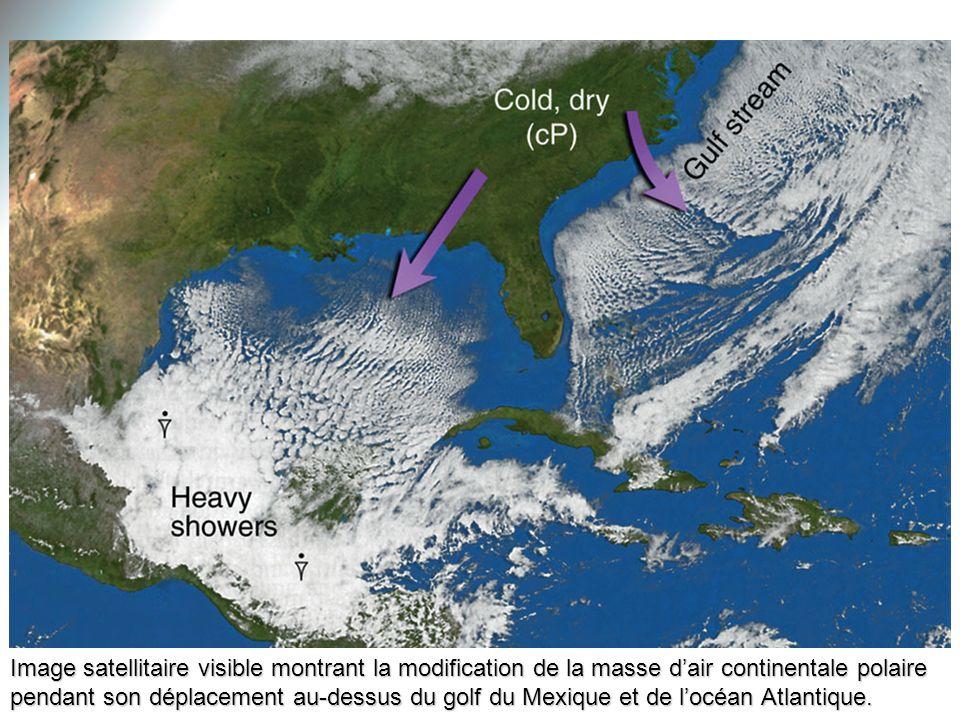 Image satellitaire visible montrant la modification de la masse dair continentale polaire pendant son déplacement au-dessus du golf du Mexique et de l