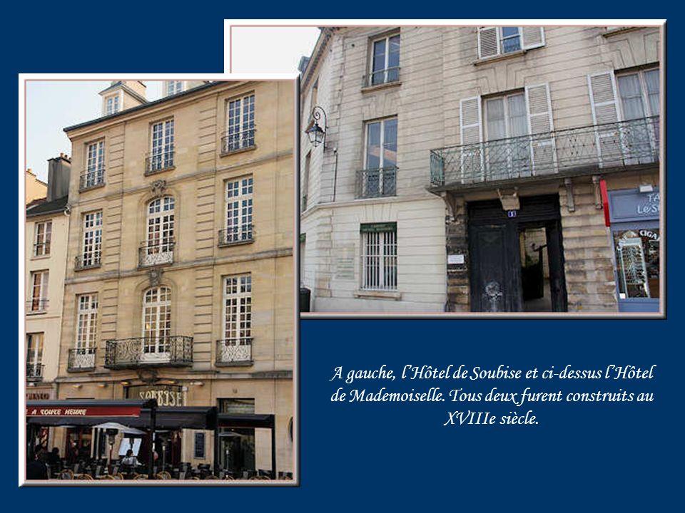 Hôtel des Maréchaux de Villeroy, du XVIIe siècle. Importante restauration en 1980.