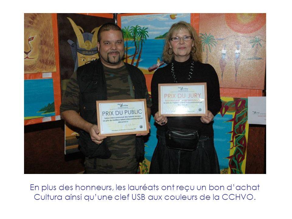 En plus des honneurs, les lauréats ont reçu un bon dachat Cultura ainsi quune clef USB aux couleurs de la CCHVO.