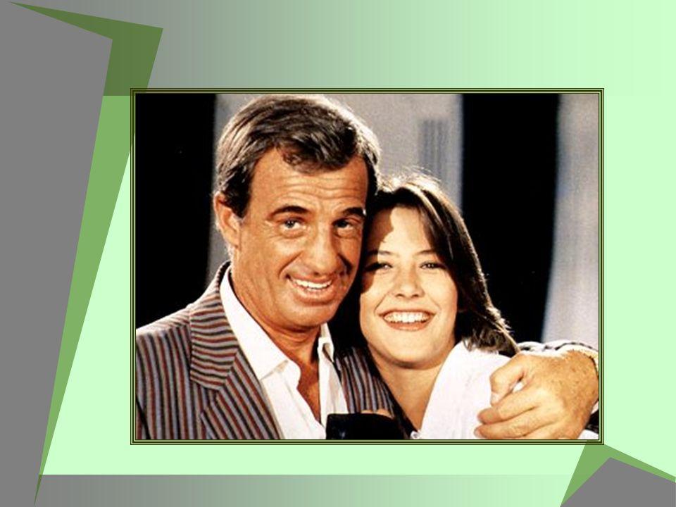 Sophie Marceau réapparaît en 2001 en tête d affiche de la grosse production française « Belphégor, le fantôme du Louvre », mais le film rencontre un succès plutôt timide.