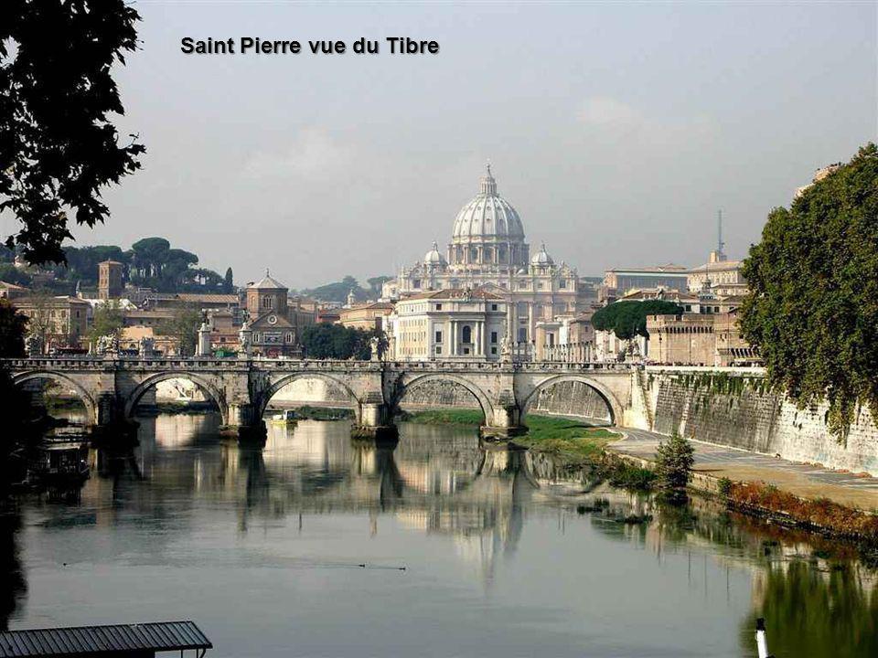 Saint Pierre vue du Tibre