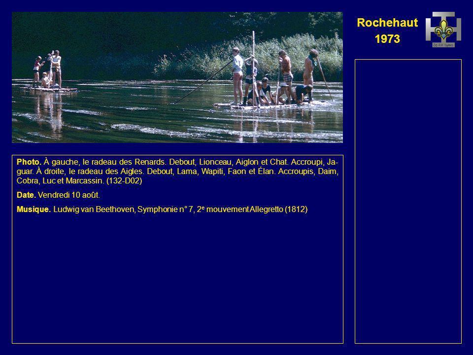 Rochehaut 1973 Photo. À gauche, Geai. Au fond, le radeau des Aigles. Debout, Wapiti, Lama, Faon et Élan. Accroupis ou assis, Daim, Cobra, Luc et Marca