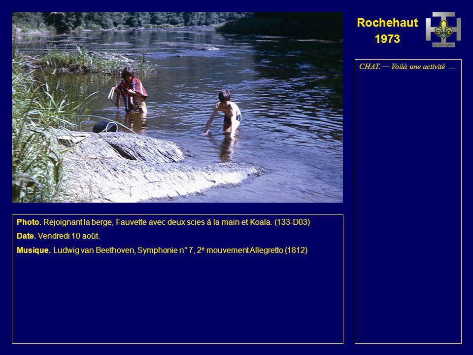 Rochehaut 1973 Photo. À gauche, le radeau des Renards. Debout, Lionceau, Aiglon et Chat. Accroupi, Ja- guar. À droite, le radeau des Aigles. Debout, L