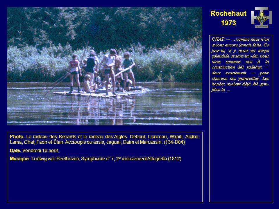 Rochehaut 1973 Photo. Rejoignant la berge, Fauvette avec deux scies à la main et Koala. (133-D03) Date. Vendredi 10 août. Musique. Ludwig van Beethove