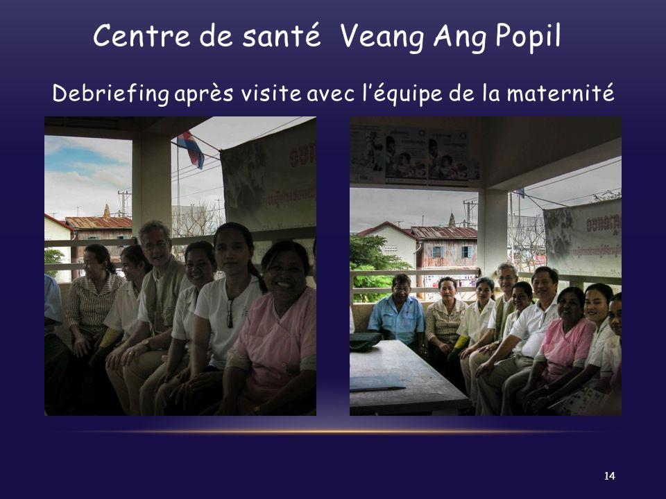 Centre de santé Veang Ang Popil Debriefing après visite avec léquipe de la maternité 14