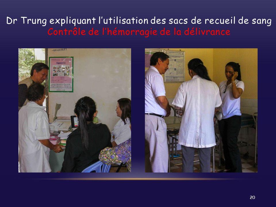 Dr Trung expliquant lutilisation des sacs de recueil de sang Contrôle de lhémorragie de la délivrance 20