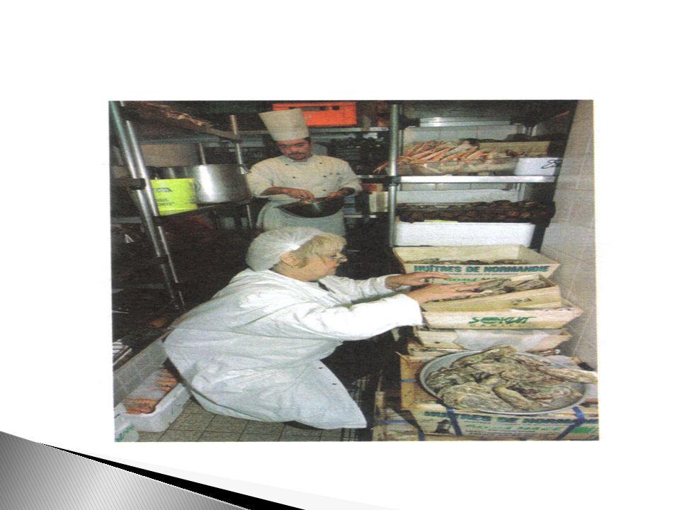 Depuis 2002, la loi prévoit un traitement des déchets respectueux de lenvironnement.