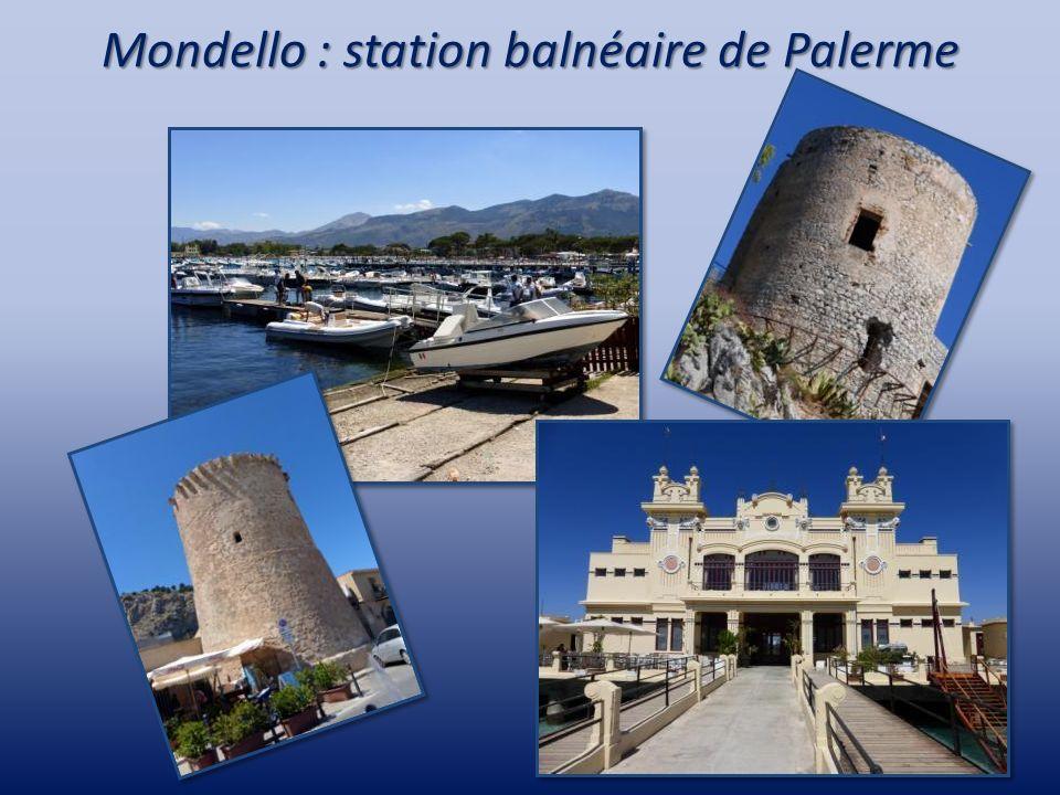 La cathédrale de Monreale Elle a été fondée en 1172 par Guillaume II et un monastère bénédictin lui a été adjoint.