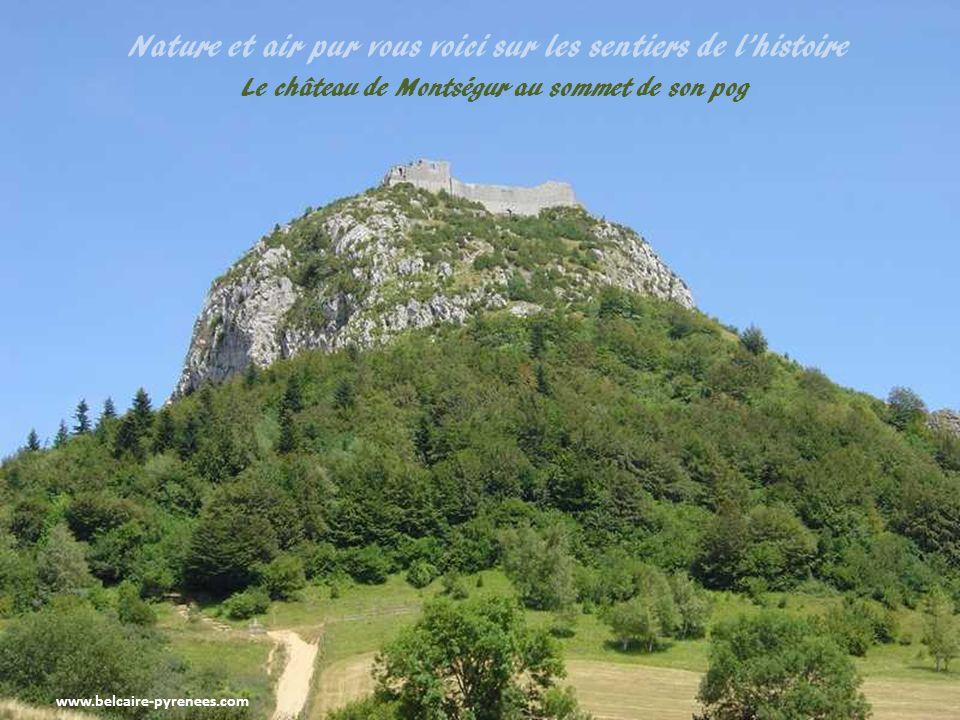 www.belcaire-pyrenees.com Le village de Roquefeuil