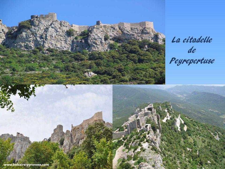 www.belcaire-pyrenees.com Nature et air pur vous voici sur les sentiers de lhistoire Le château de Montségur au sommet de son pog
