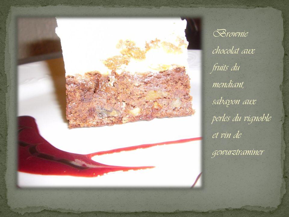 Brownie chocolat aux fruits du mendiant, sabayon aux perles du vignoble et vin de gewurztraminer