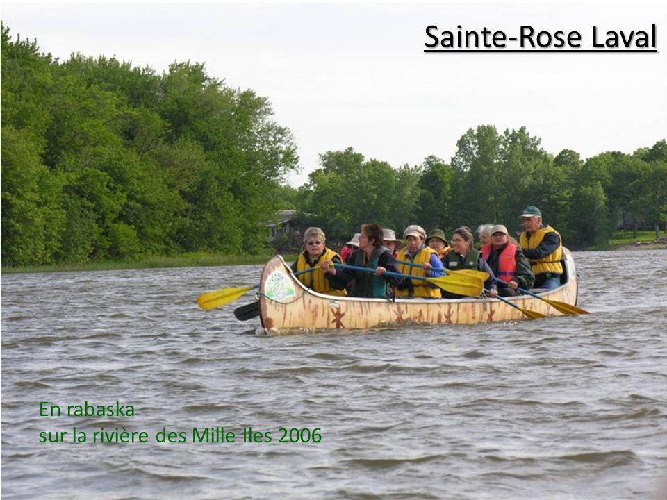 En rabaska sur la rivière des Mille Iles 2006 Sainte-Rose Laval