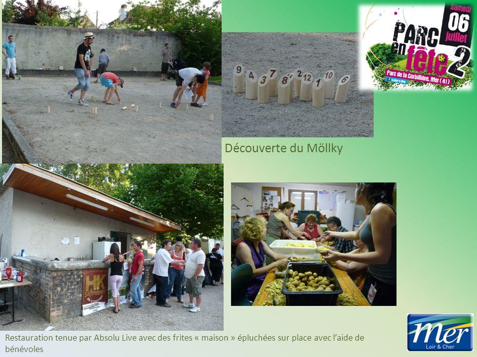 Découverte du Möllky Restauration tenue par Absolu Live avec des frites « maison » épluchées sur place avec laide de bénévoles