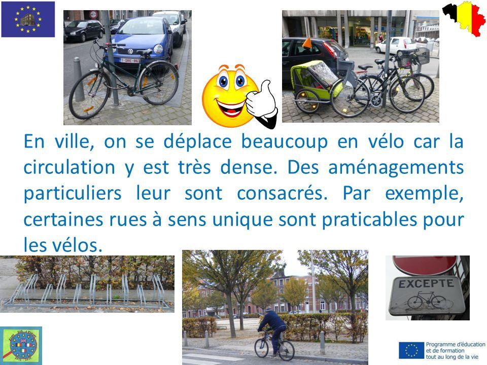 En ville, on se déplace beaucoup en vélo car la circulation y est très dense.