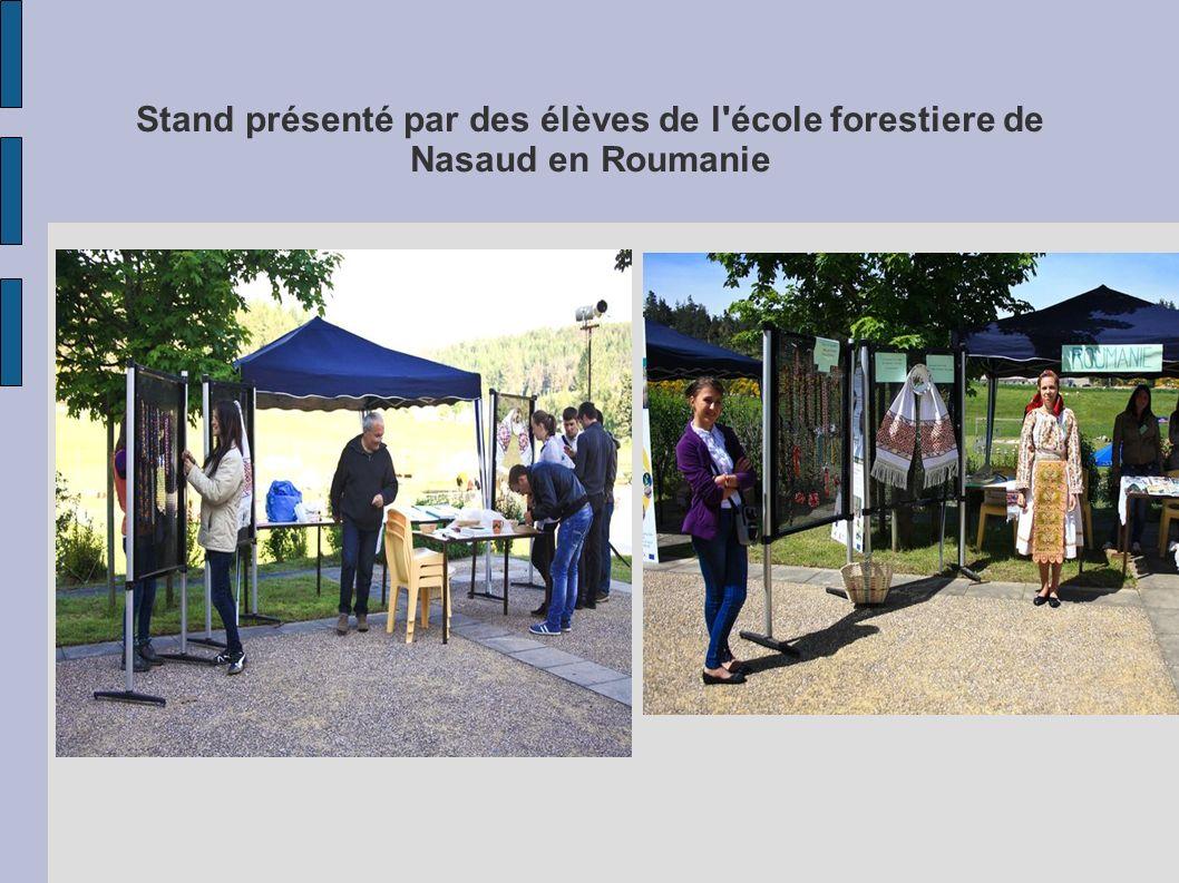Stand présenté par des élèves de l école forestiere de Nasaud en Roumanie