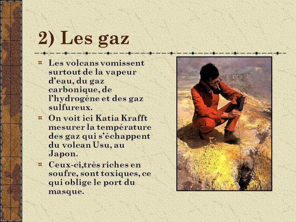 3) Les lapilli Du latin lapillus qui signifie petite pierre.