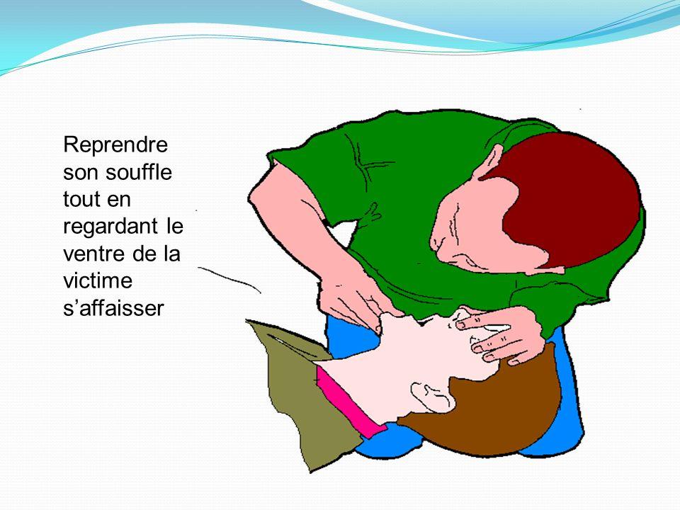 Insuffler progressivement jusqu'à ce que la poitrine de la victime commence à se soulever. La durée de linsufflation est de 1 seconde environ. La duré