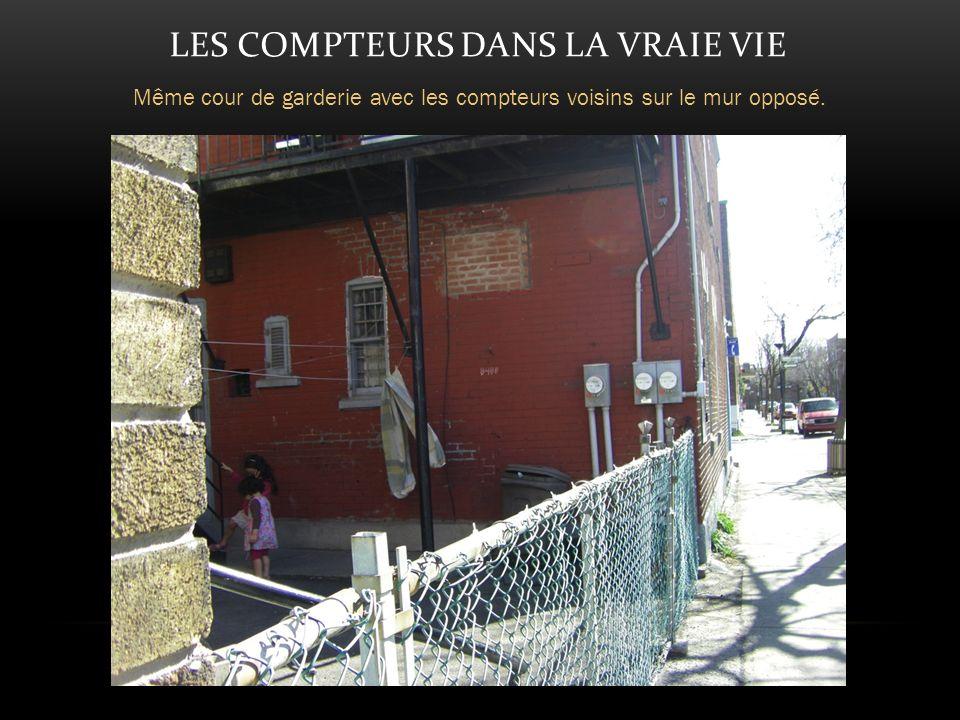 LES COMPTEURS DANS LA VRAIE VIE Même cour de garderie avec les compteurs voisins sur le mur opposé.