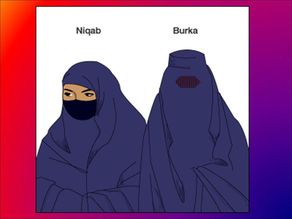 Les vêtements traditionnels de la femme musulmane Un voile caractéristique des femmes arabes.