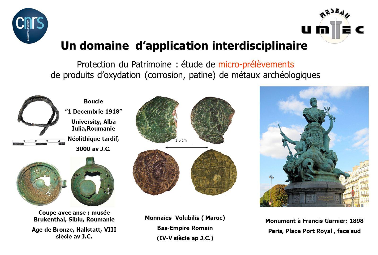 Monnaies Volubilis ( Maroc) Bas-Empire Romain (IV-V siècle ap J.C.) 1.5 cm Monument à Francis Garnier; 1898 Paris, Place Port Royal, face sud Coupe av