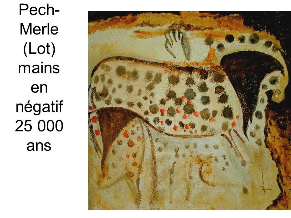 Dès 1919, dans une exposition Dada de Berlin, Max Ernst présente une cinquantaine de dessins obtenus par frottage au graphite sur des caractères dimprimerie en bois.