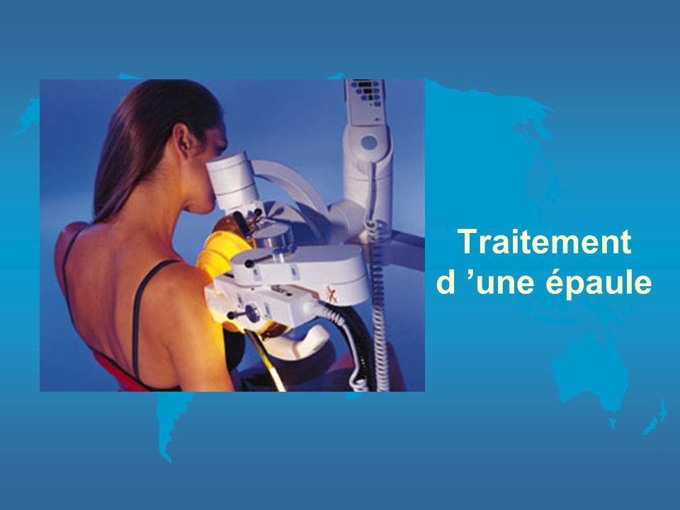 En pratique le patient est positionné pour permettre d'obtenir un contact entre la lésion à traiter et le coussin remplit deau. un repérage échographi
