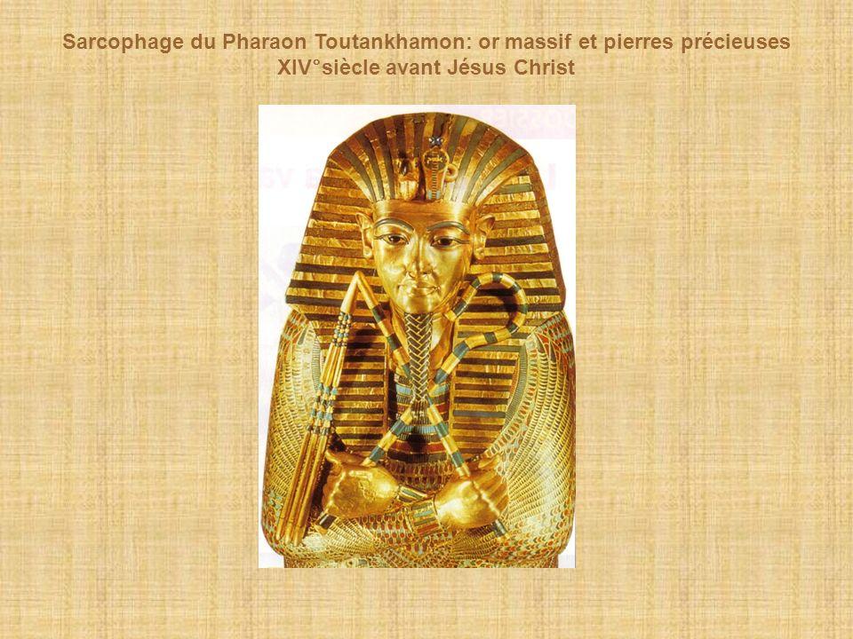 Sarcophage du Pharaon Toutankhamon: or massif et pierres précieuses XIV°siècle avant Jésus Christ