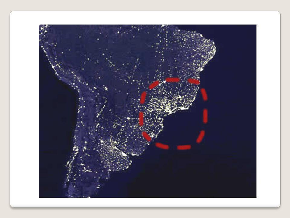 La répartition de la population mondiale Légende Foyers de population Foyers secondaires de population déserts humains SAHARA AMAZONIE CANADA HIMALAYA ARABIE GROENLAND SIBERIE AUSTRALIE Localise une région quasi vide dhommes en écrivant son nom en Eurasie (indiques- en 2 dont celle au Nord de lInde), en Afrique, en Amérique du Sud, à lextrême sud du globe : indique leurs noms.
