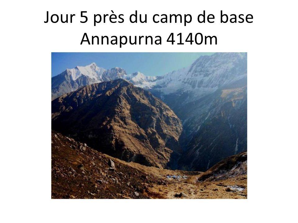 Jour 5 près du camp de base Annapurna 4140m