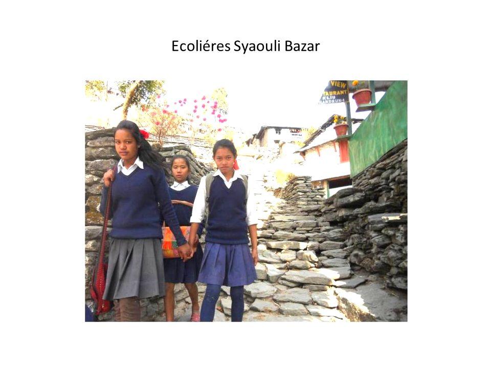 SINUA ET MACHAPUCHARE Chalt Nagar high School.( Hunza) December 2006