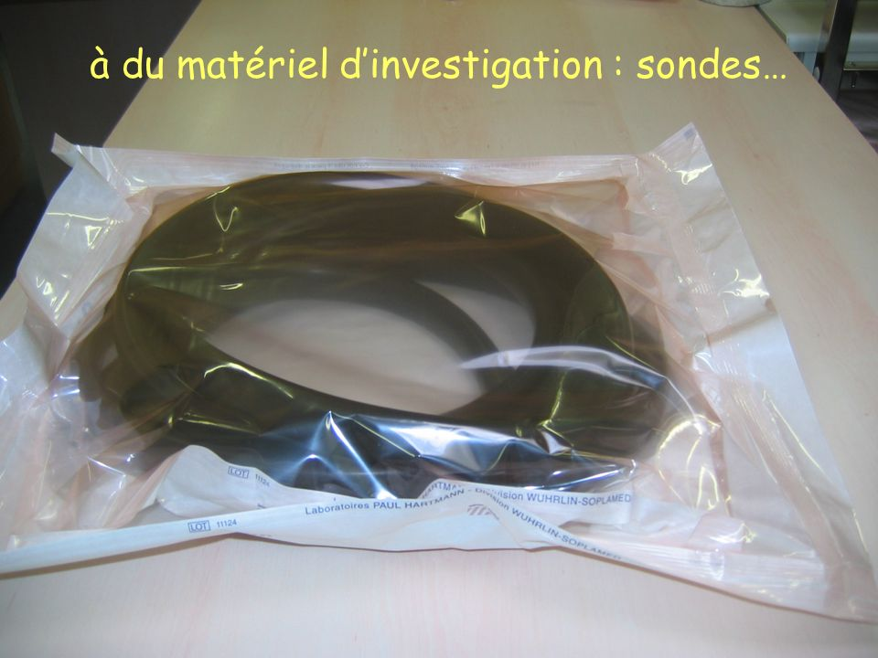 Chargement dun lave- instruments.Plusieurs programmes de lavage existent.