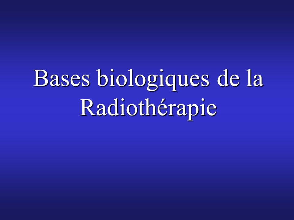 La Radiothérapie utilise des radiations ionisantes ( capables de créer des ionisations par « arrachement » délectrons aux atomes des molécules quelles traversentLa Radiothérapie utilise des radiations ionisantes ( capables de créer des ionisations par « arrachement » délectrons aux atomes des molécules quelles traversent