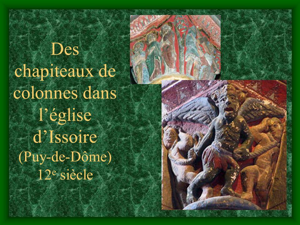 Pourquoi tant dimages sur le tympan de Sainte-Foy ? Parce que les sculpteurs navaient rien dautre à faire ! Parce que cétait un moyen denseigner la re