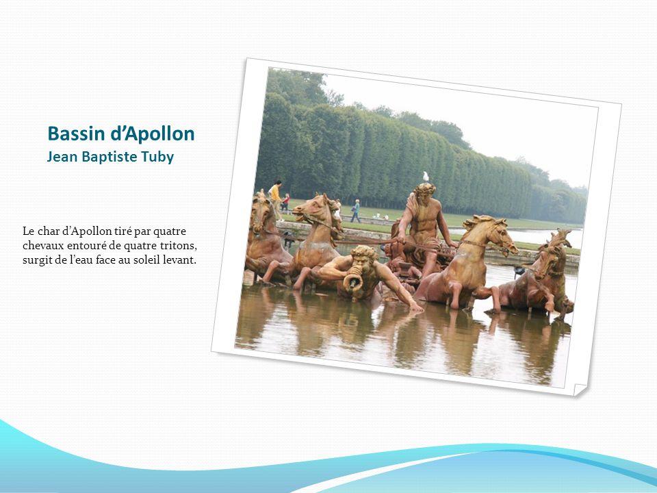 Bassin dApollon Jean Baptiste Tuby Le char dApollon tiré par quatre chevaux entouré de quatre tritons, surgit de leau face au soleil levant.