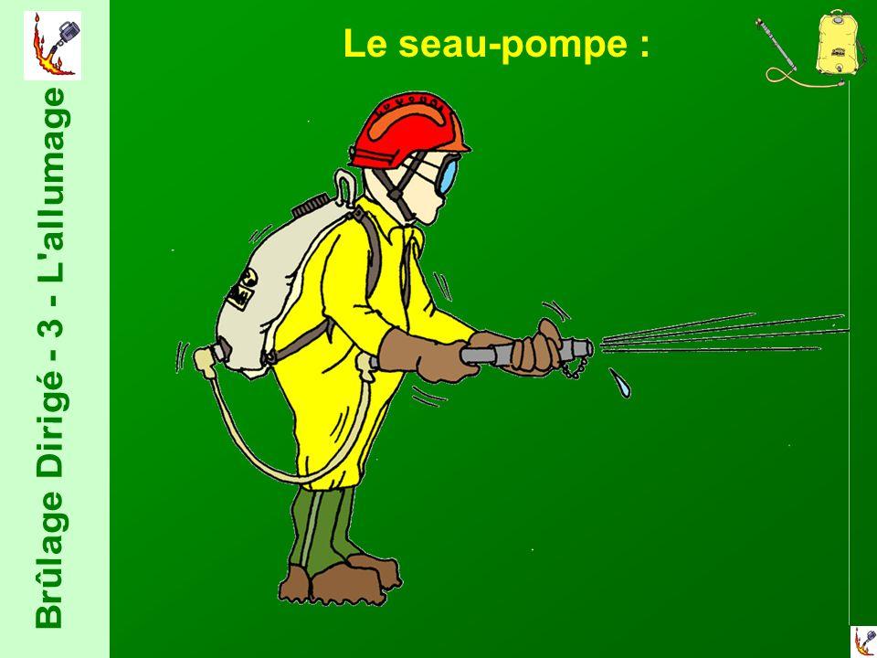 Le seau-pompe :