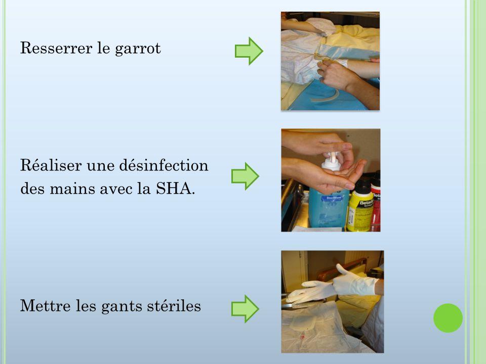 Poser le cathéter en stérile : Repalper la veine en stérile Soin en stérile À partir de cette étape les gants ne sont plus considérés comme stériles, mais utilisés comme protection en cas dAES.