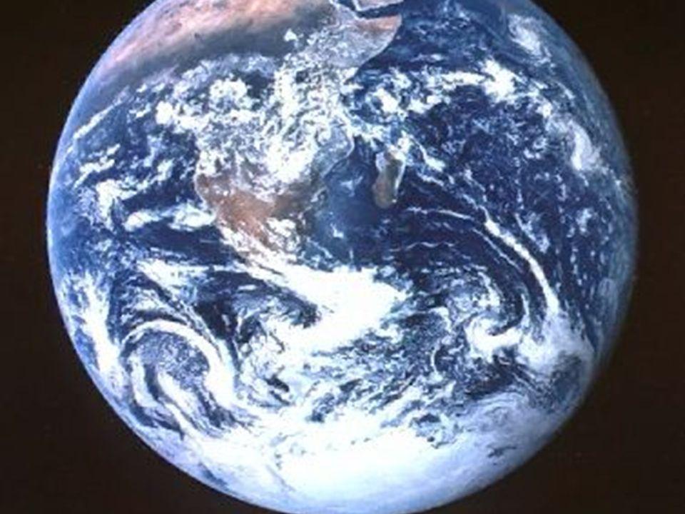 5 Il a affermi la terre sur ses bases : elle est à jamais inébranlable. 6 Tu l'avais enveloppée de l'abîme comme d'un vêtement ; les eaux recouvraient