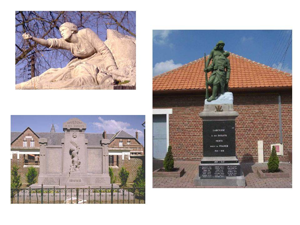 Cest juste au sortir du conflit que sont érigés partout en France des monuments aux morts de la Grande Guerre ; dans chaque ville, chaque village, là où ces hommes vivaient et travaillaient.