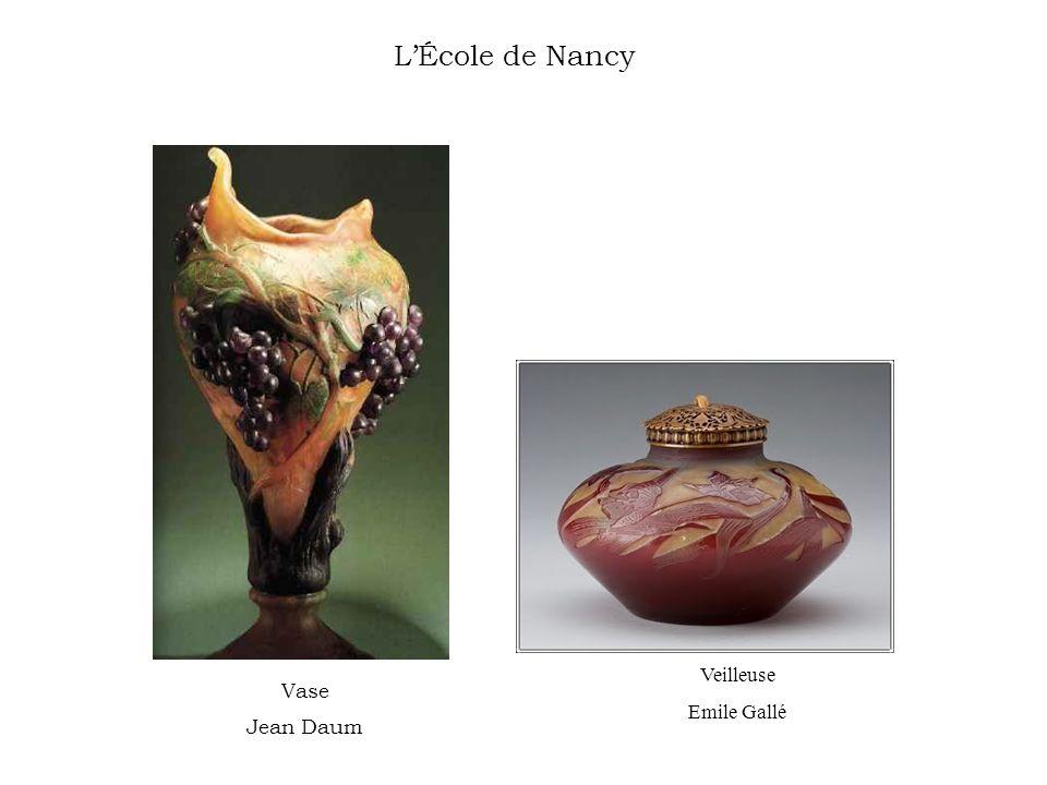 LÉcole de Nancy Vase Jean Daum Veilleuse Emile Gallé