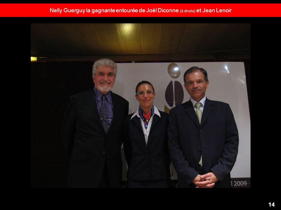 Nelly Guerguy la gagnante entourée de Joël Diconne (à droite) et Jean Lenoir 14