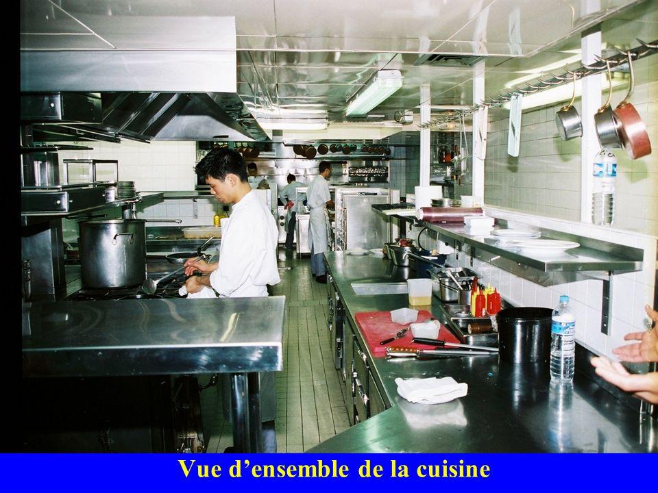 Vue densemble de la cuisine
