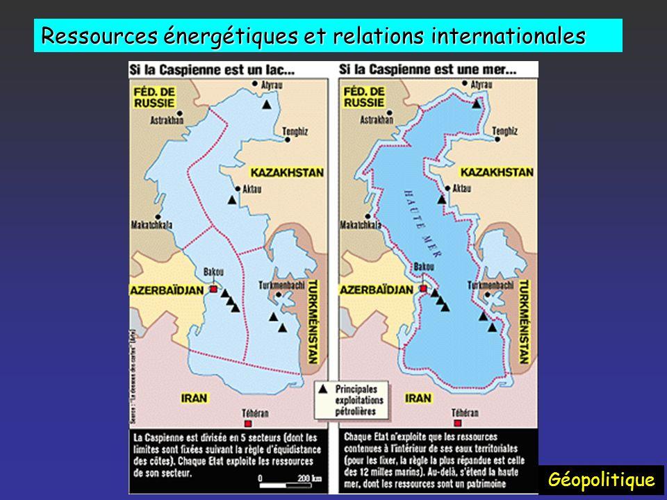 Ressources énergétiques et relations internationales Géopolitique La Chine - investit fortement - importe 10 % de son pétrole du Soudan – la moitié de