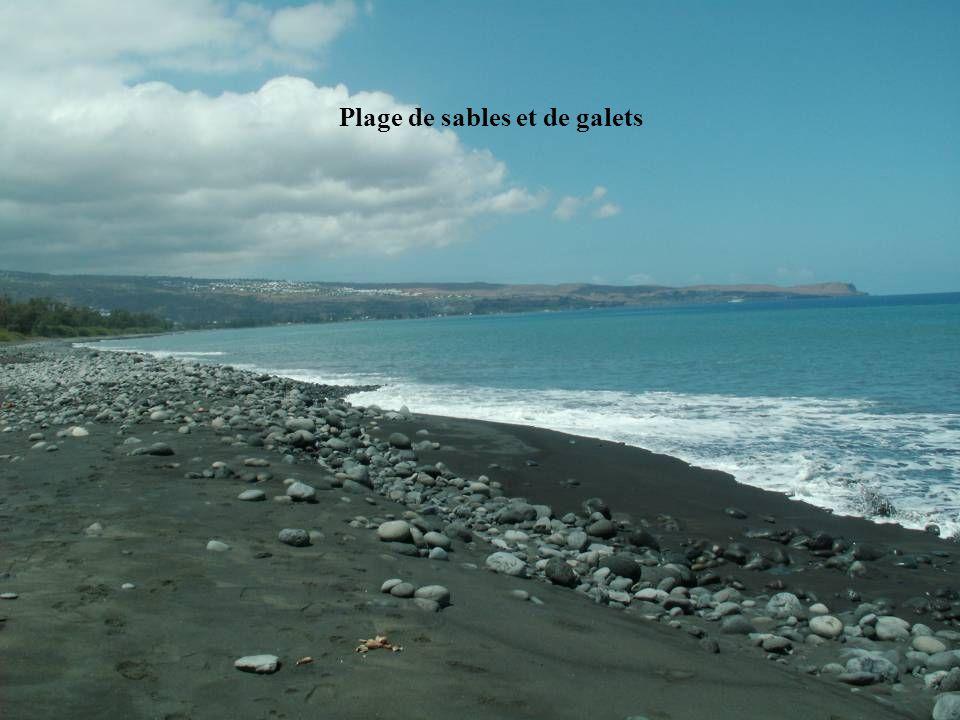 Plage de sables et de galets