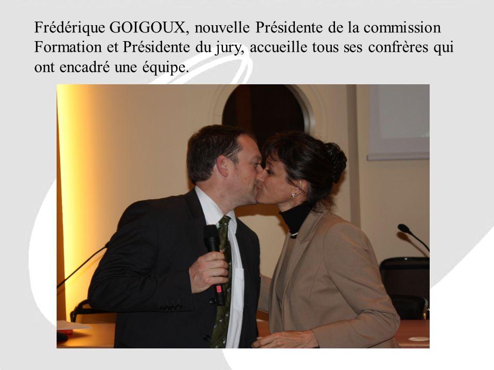 Frédérique GOIGOUX, nouvelle Présidente de la commission Formation et Présidente du jury, accueille tous ses confrères qui ont encadré une équipe.