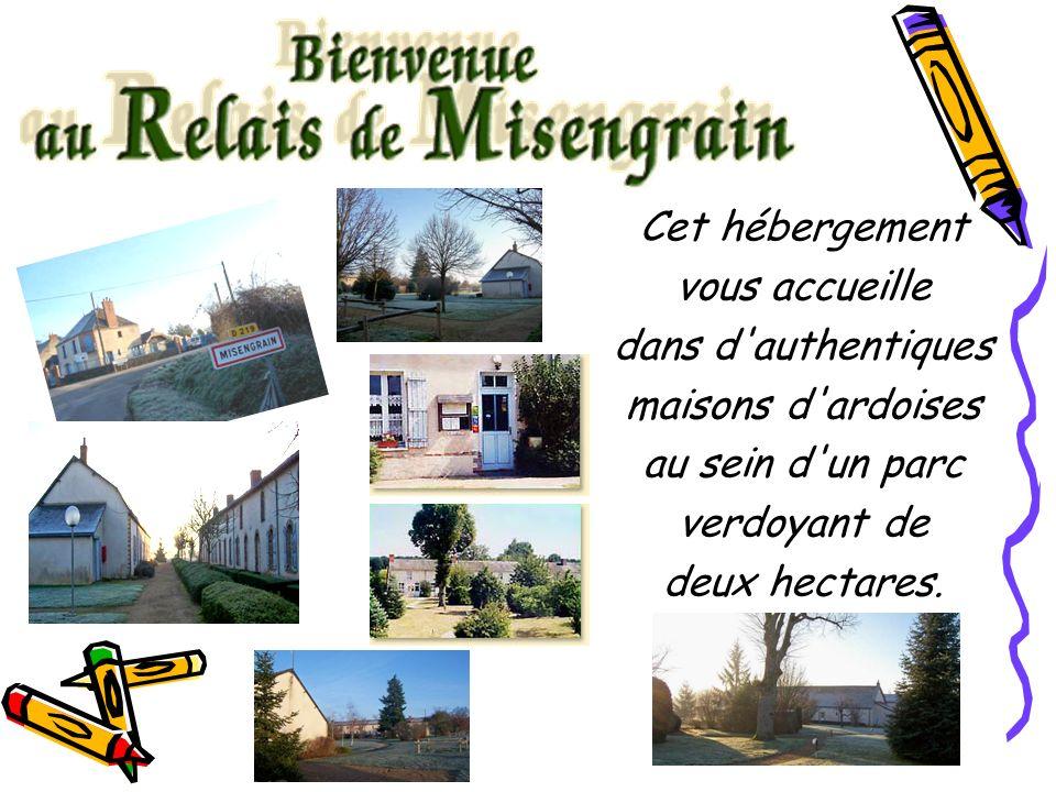 Cet hébergement vous accueille dans d authentiques maisons d ardoises au sein d un parc verdoyant de deux hectares.